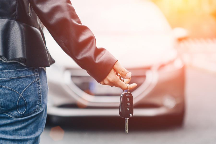 Aseguradora reduce primas a automovilistas en Canadá