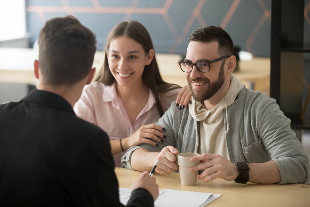 Cuatro de cada 10 seguros de vida están ligados a bancos y tarjetas de crédito o débito.